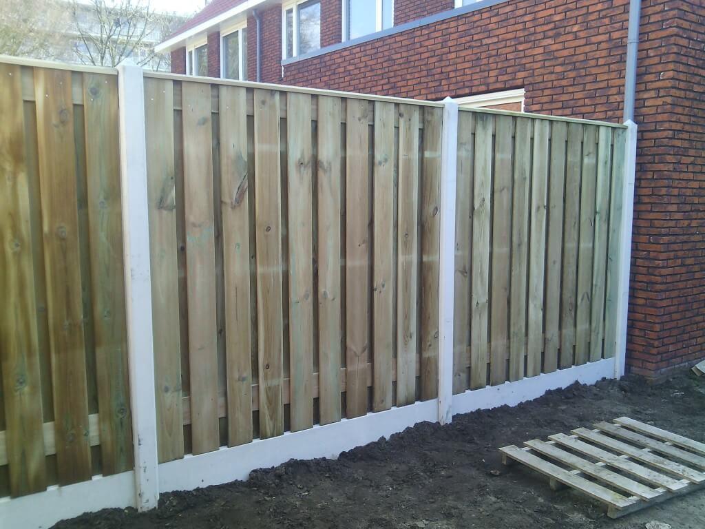 Standaard hout beton erfafscheiding